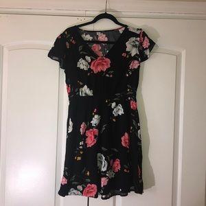 Black floral short sleeve dress